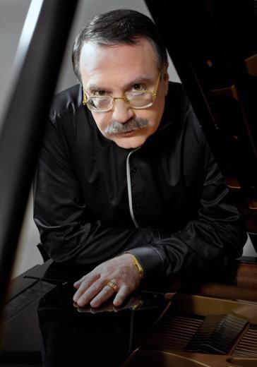Даниил Крамер (фортепиано), Валерий Гроховский (фортепиано) logo