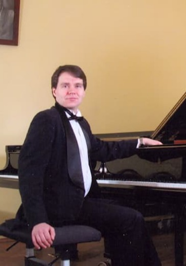 Фортепианный дуэт: Татьяна Колесова, Денис Чефанов logo