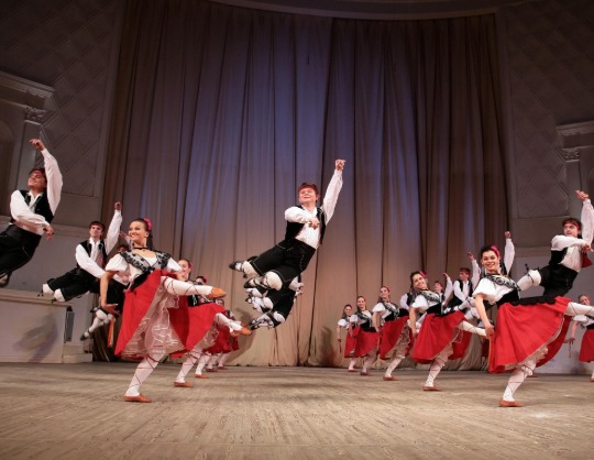 Школа-студия (училище) при Государственном академическом ансамбле народного танца имени Игоря Моисеева