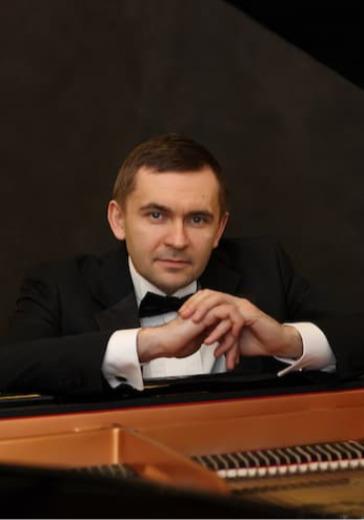 Дмитрий Каприн (фортепиано) logo
