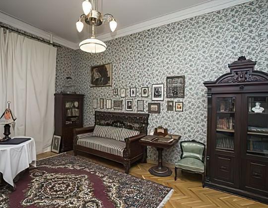 Экскурсия по музею-квартире Евгения Вахтангова