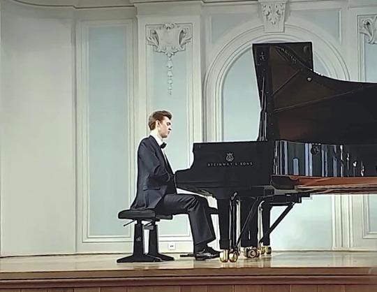 Музыка для фортепиано и ударных. Иван Миронюк (фортепиано), Сергей Стефко (ударные)