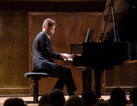 Андрей Гугнин, фортепиано