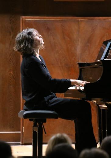 Варвара Мягкова, фортепиано logo