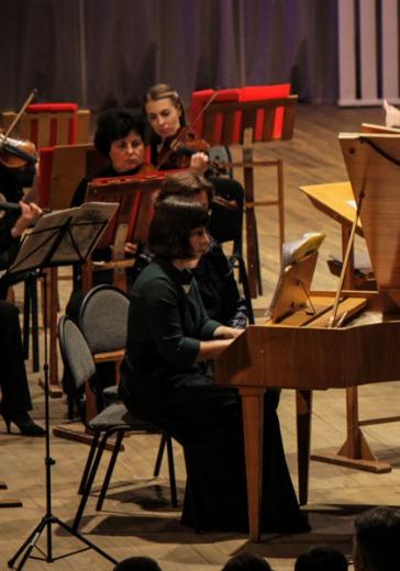 Сергей Тищенко, альт Елизавета Миллер, клавесин Back to Baroque. Концерт с пояснениями logo