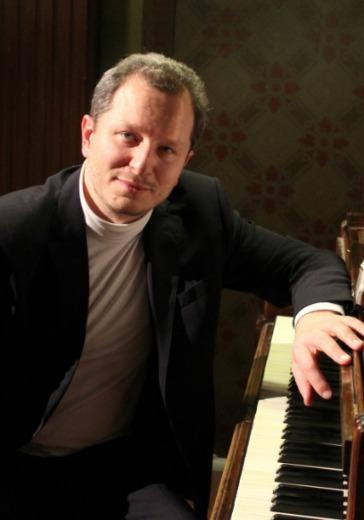 Юрий Мартынов (фортепиано) logo