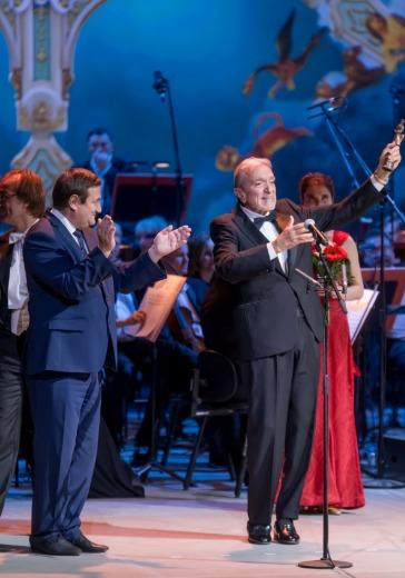Звёзды мировой оперы в церемонии вручения V Национальной оперной премии «Онегин» logo