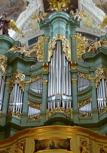 Органная музыка соборов Парижа logo