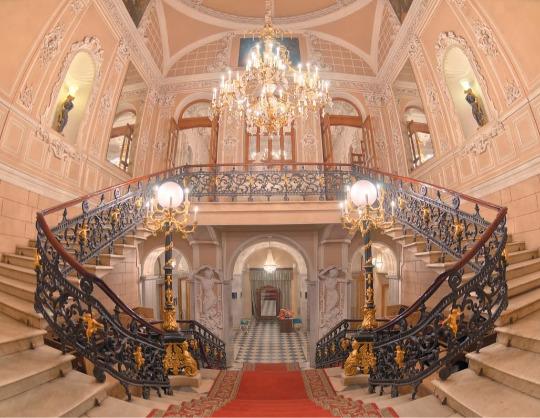 История здания театра и его творческой жизни