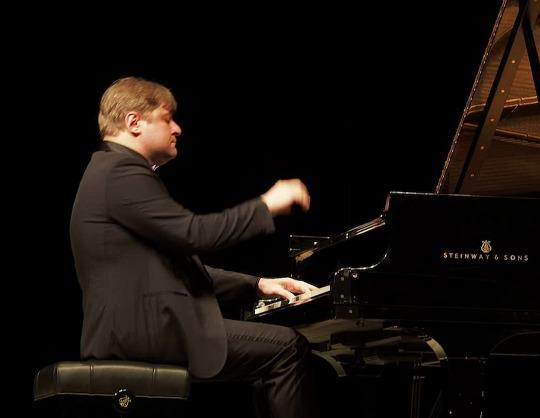 Петр Лаул (фортепиано)