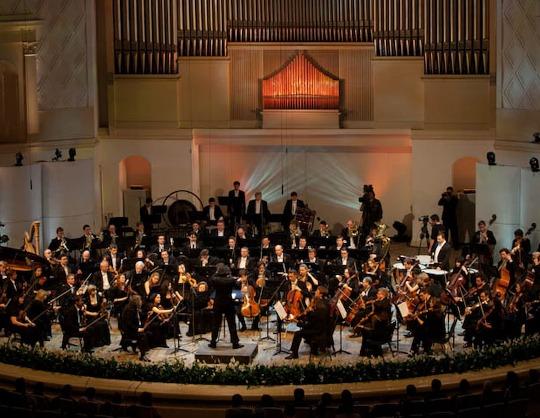 Михаил Почекин (скрипка), Константин Емельянов (фортепиано)