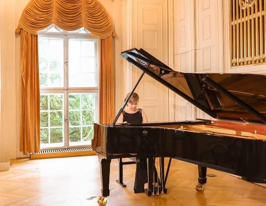 П.И. Чайковский. Елена Тарасова, фортепиано