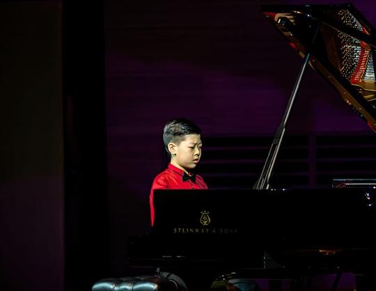 Шао Цзыюй, фортепиано