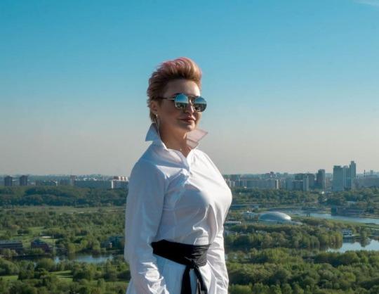 Катя Лель в программе «Все лучшее и только для вас»