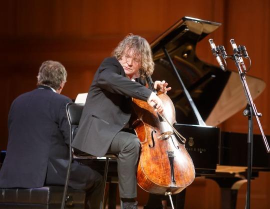 Александр Князев (виолончель, фортепиано)