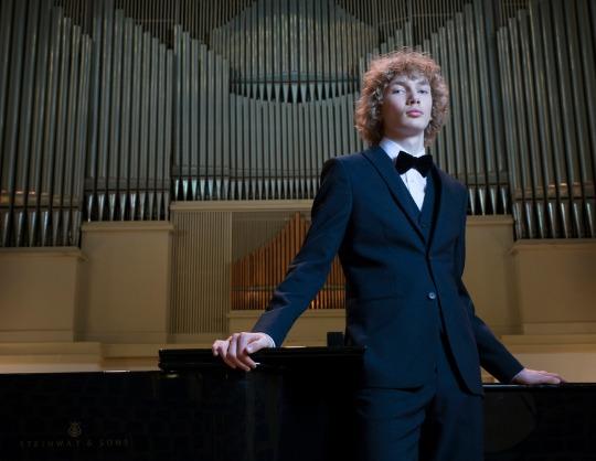 Иван Бессонов, фортепиано